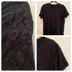 3 for $17⚡️BANANA REPUBLIC Lace Shoulder Tee